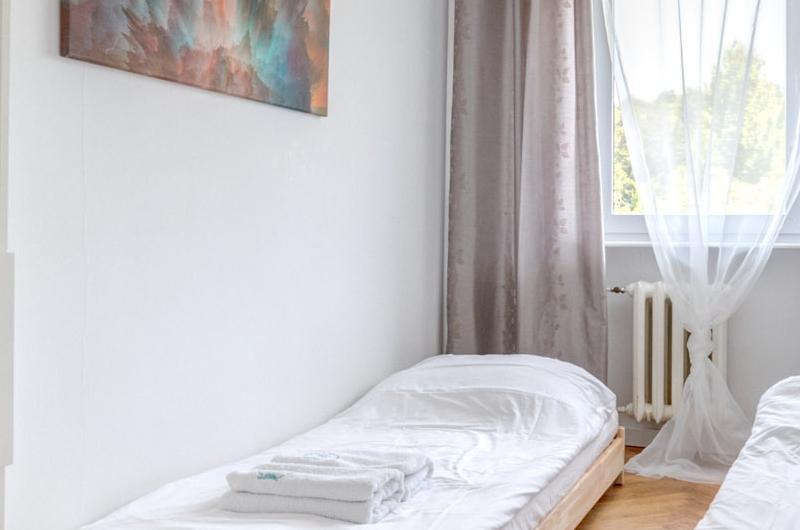 Sypialnia z dwoma łóżkami 2